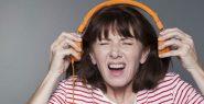 removing-headphones